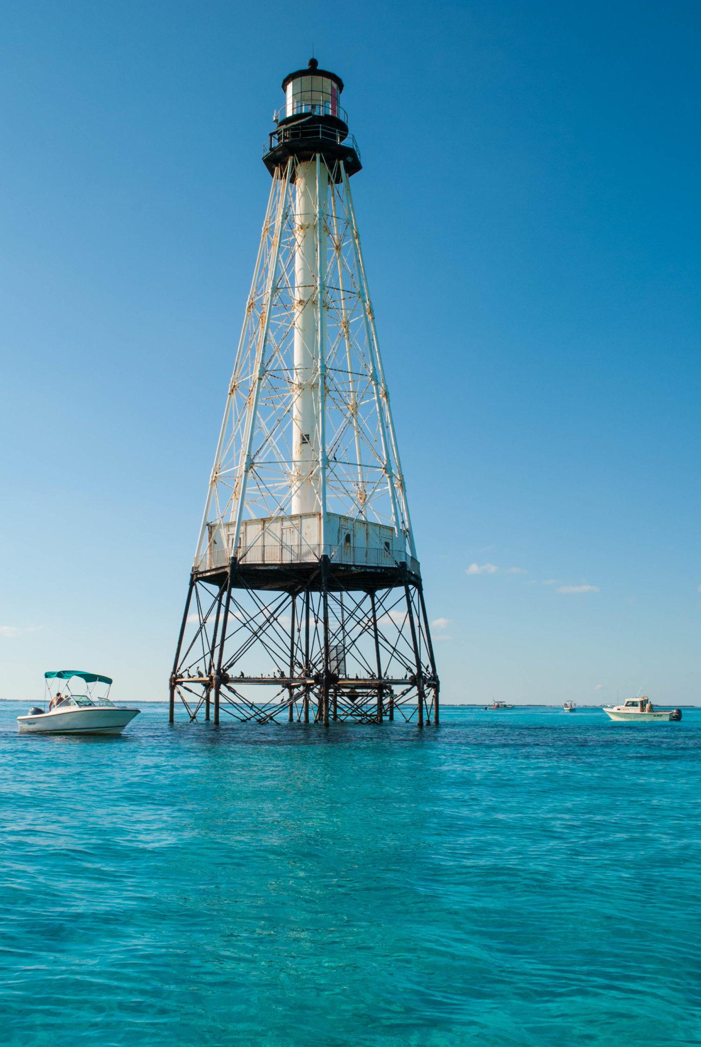 Tarpons and Tourist Traps: Robbie's Marina in Islamorada, Florida